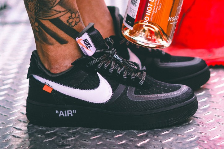 https---hypebeast.com-image-2018-10-off-white-nike-air-force-1-v2-black-003.jpg