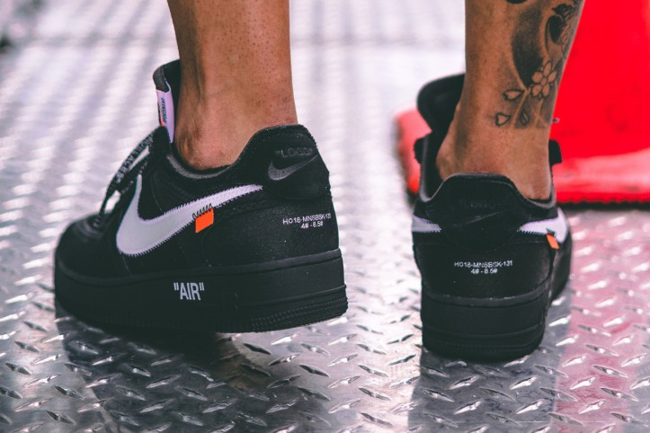 https---hypebeast.com-image-2018-10-off-white-nike-air-force-1-v2-black-005.jpg